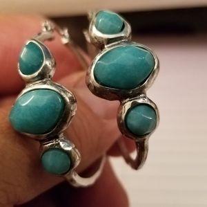 Beautiful earrings color silver and aquamarine
